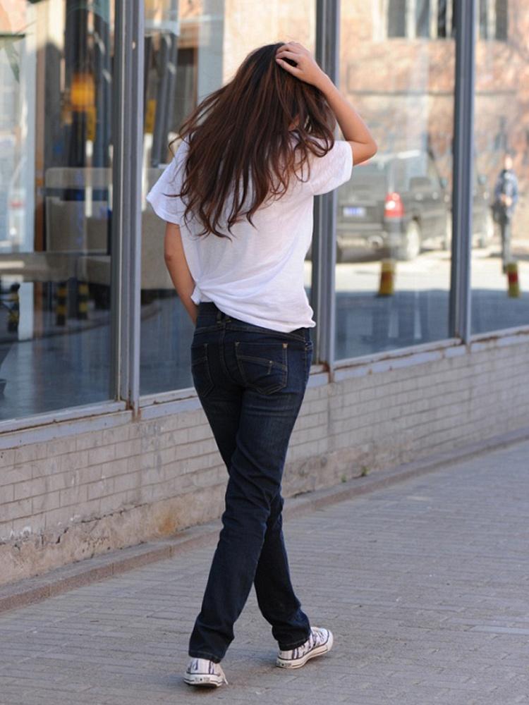 棉花公园 蓝色修身女士牛仔裤
