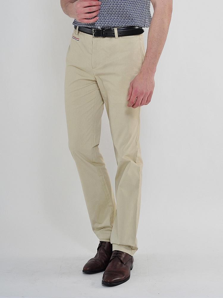 《美灵顿裤子》 美女内急拉裤子
