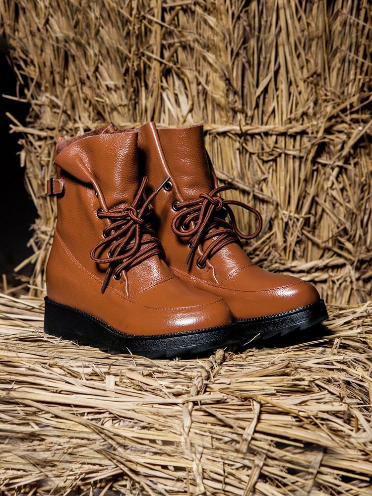原创个性系带马丁靴 棕色