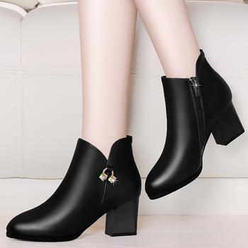 靴子女短靴高中跟鞋女粗跟马丁靴