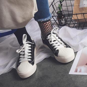 娅莱娅时尚贝壳头春款系带平底鞋
