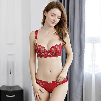 嘉黎小胸聚拢蕾丝性感内衣套装红
