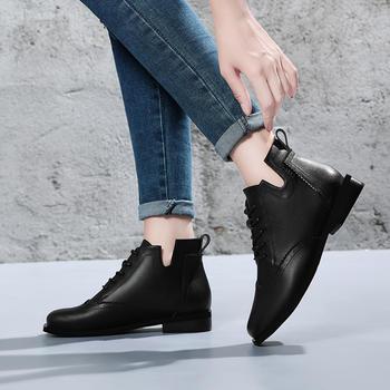 马丁靴女英伦真皮?#25351;?#26102;尚女皮靴