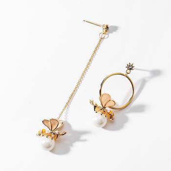 戴拉  925银针小蜜蜂?#27426;?#31216;长耳环
