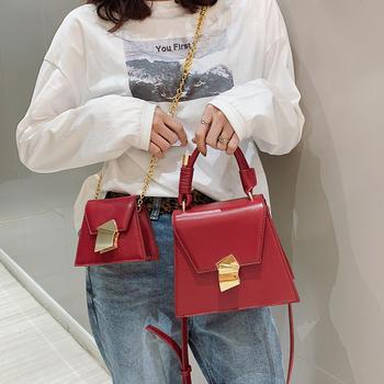 天彩翼飞2019新款个性锁扣女包撞色包单肩斜跨手提包