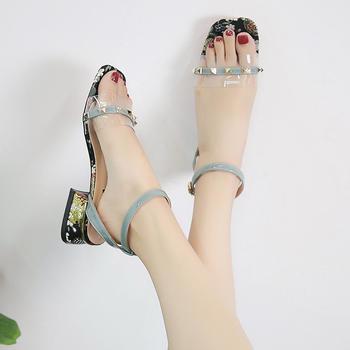 佑黛夏季新款凉鞋露趾?#25351;?#20302;跟鞋一字扣带水晶鞋透明