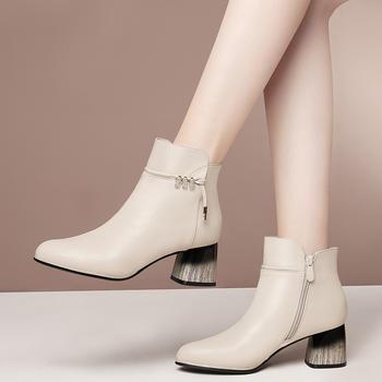 新款秋冬气质女神百搭英伦小皮鞋